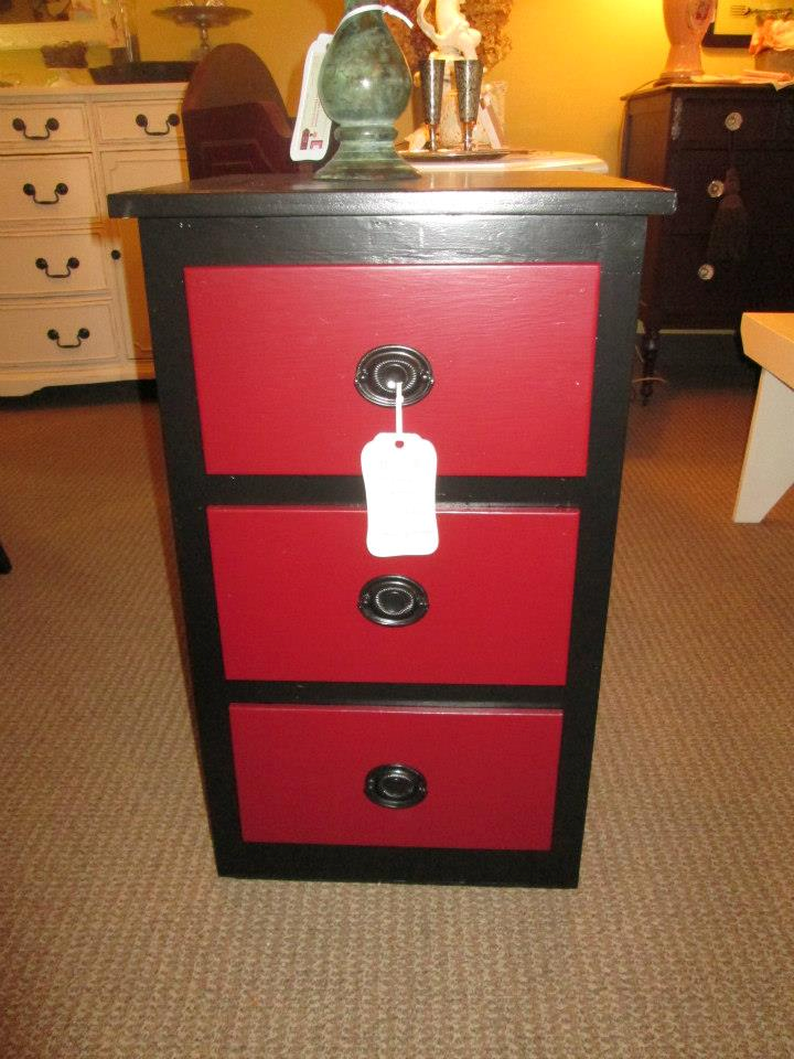 a little red and black dresser painted furniture chalk paint rh pinterest com