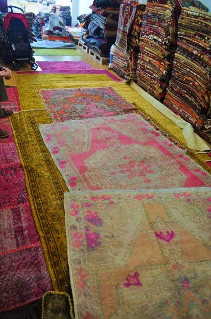 Istanbul And The Over Dyed Turkish Rug Vintage Teppiche Schoner Wohnen Teppich