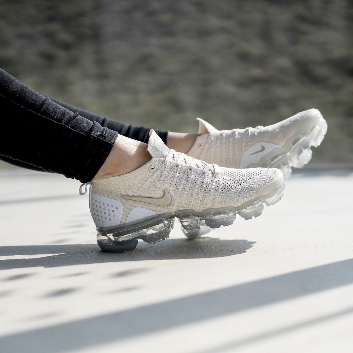 d89a675049079 Nike Air VaporMax Flyknit 2.0 W Champagne White Gold Women Men ...