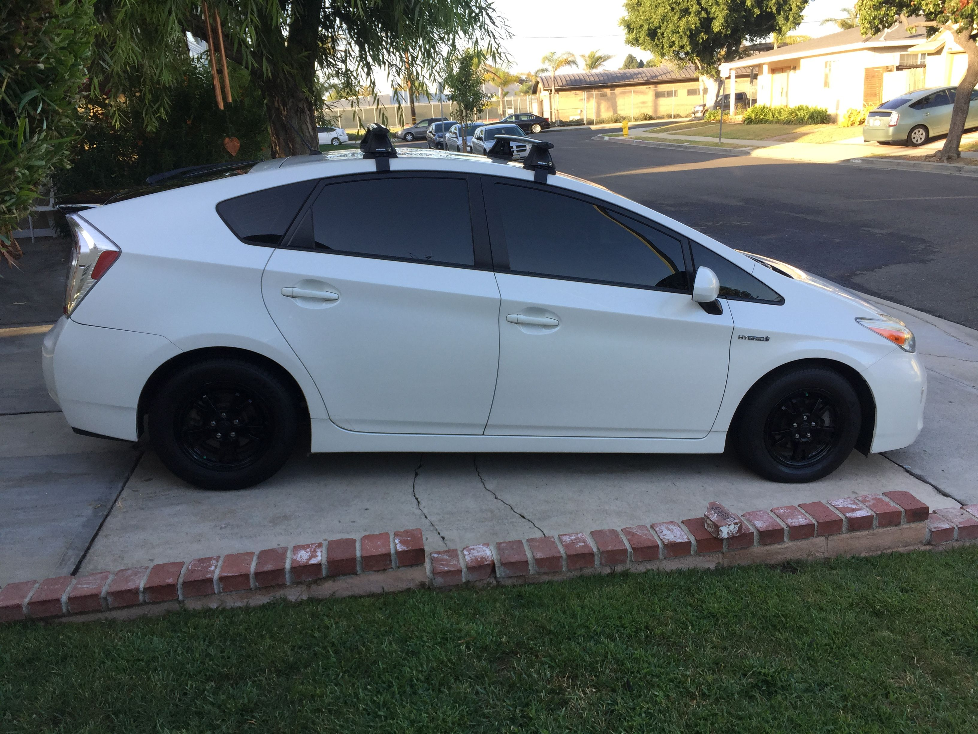 Prius Roof Rack >> 2013 Prius With A Rhino Rack Vortex 2500 Aero Roof Rack System