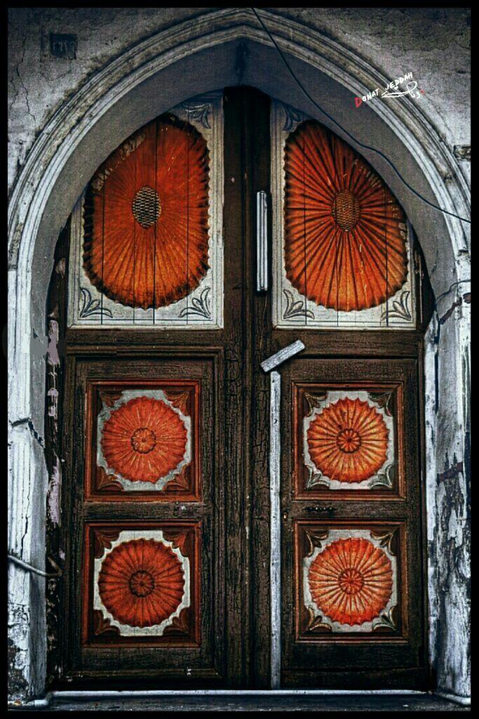 احد ابواب بيوت جدة القديمة Islamic Art Old Doors Pattern Wallpaper