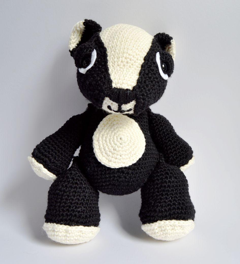 Ravelry: Badger Mascot Amigurumi pattern by Emma Kay | 1041x945