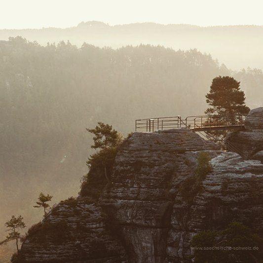 #Elbsandsteingebirge #SächsischeSchweiz #saxonswitzerland #saxony #wandern  Übrigens könnt ihr uns helfen beim Voting für die Sächsische Schweiz als Location des Tourismuscamps 2017 --> es ist nur ein Klick: http://bit.ly/1LwHbiI  Credits:Rico Richter (@elbsandsteinbilder) #Felsenburg #Neurathen