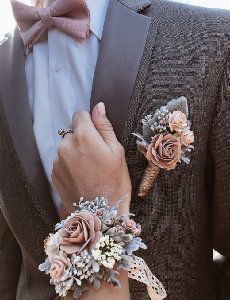 Rustic Wedding wrist corsage Wrist Floral Corsage Bridesmaids wrist corsage Corsage and boutonniere set Rustic Flower wrist corsage