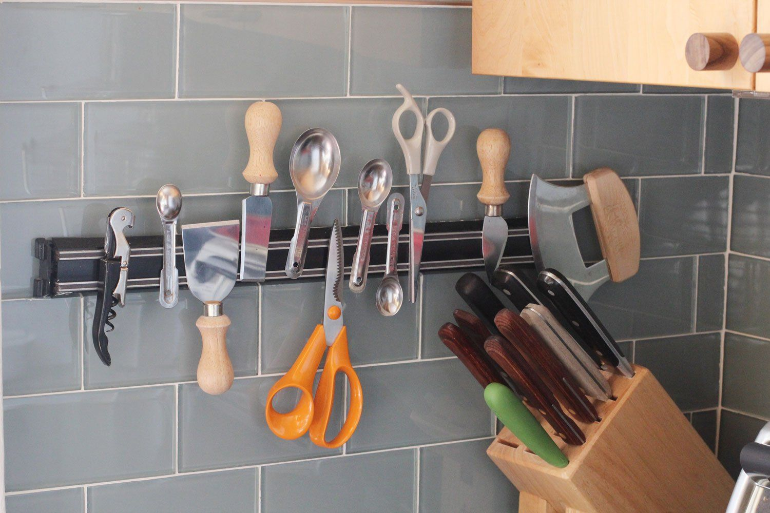 7 Clever Ways to Store Measuring Cups and Spoons