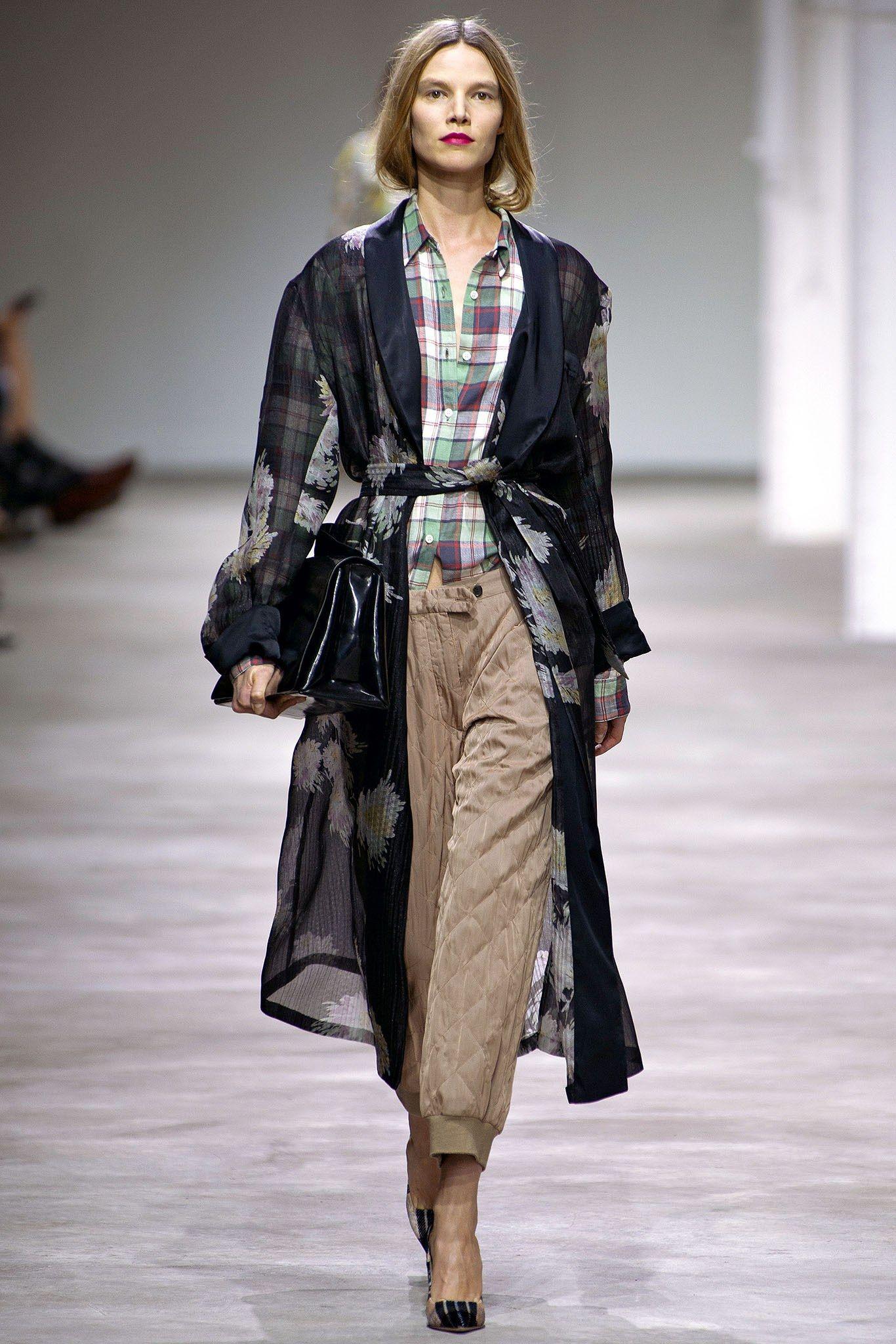 Dries Van Noten Spring 2013 Ready-to-Wear Fashion Show - Suvi Koponen (Next)