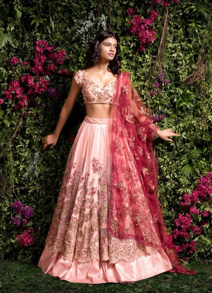 Pin de Adila Isl en Sabyasachi Fashion | Pinterest | Vestidos de ...