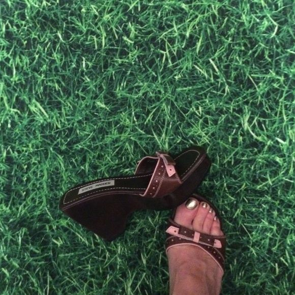 Steve Madden Mules Worn 1x inside. Price is firm no trades. No bundles over 5 pounds accepted- sorry Steve Madden Shoes Wedges