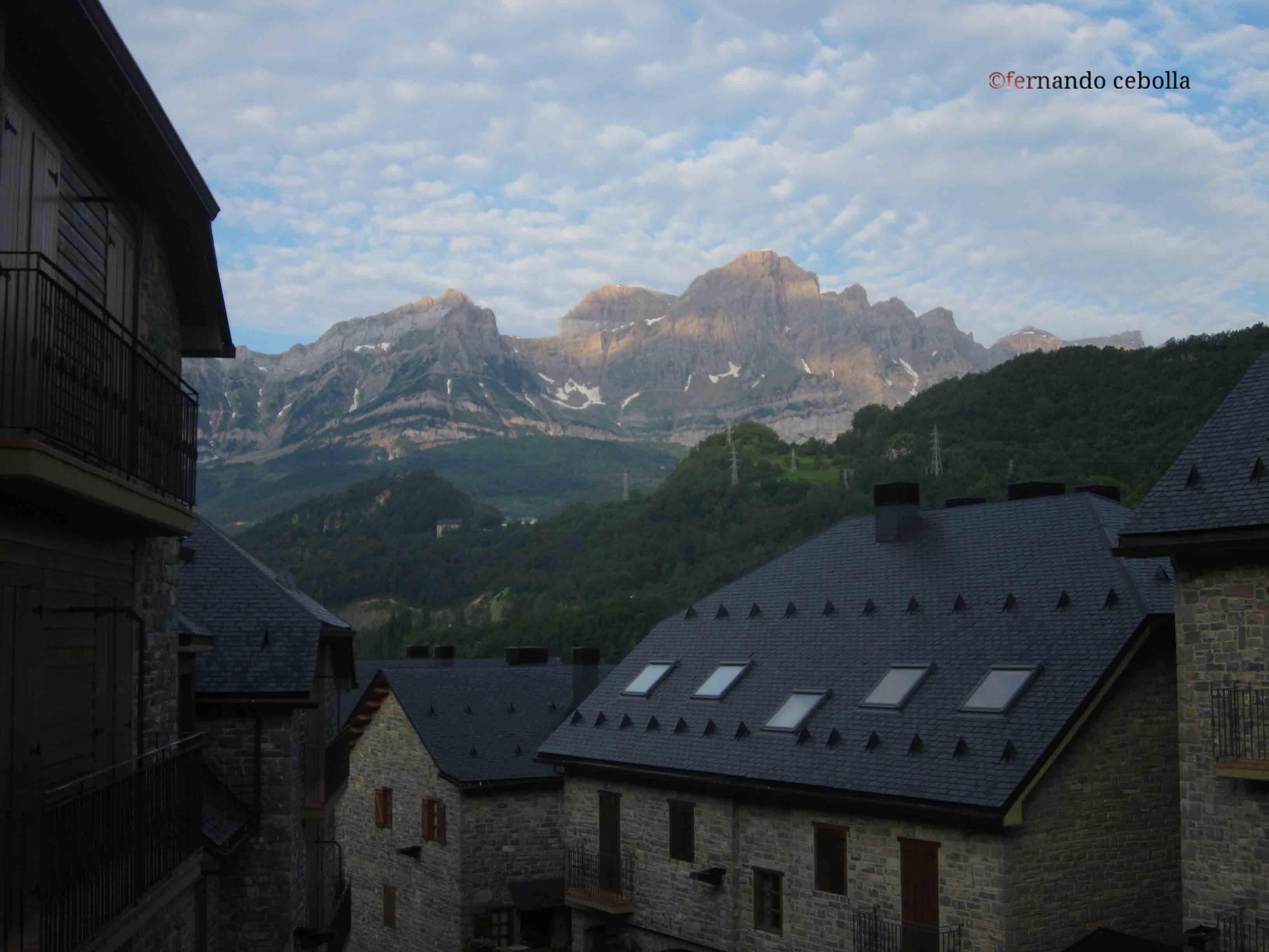 Fotografía del Pueyo de Jaca Peña Terera, #Aragón #valledeTena