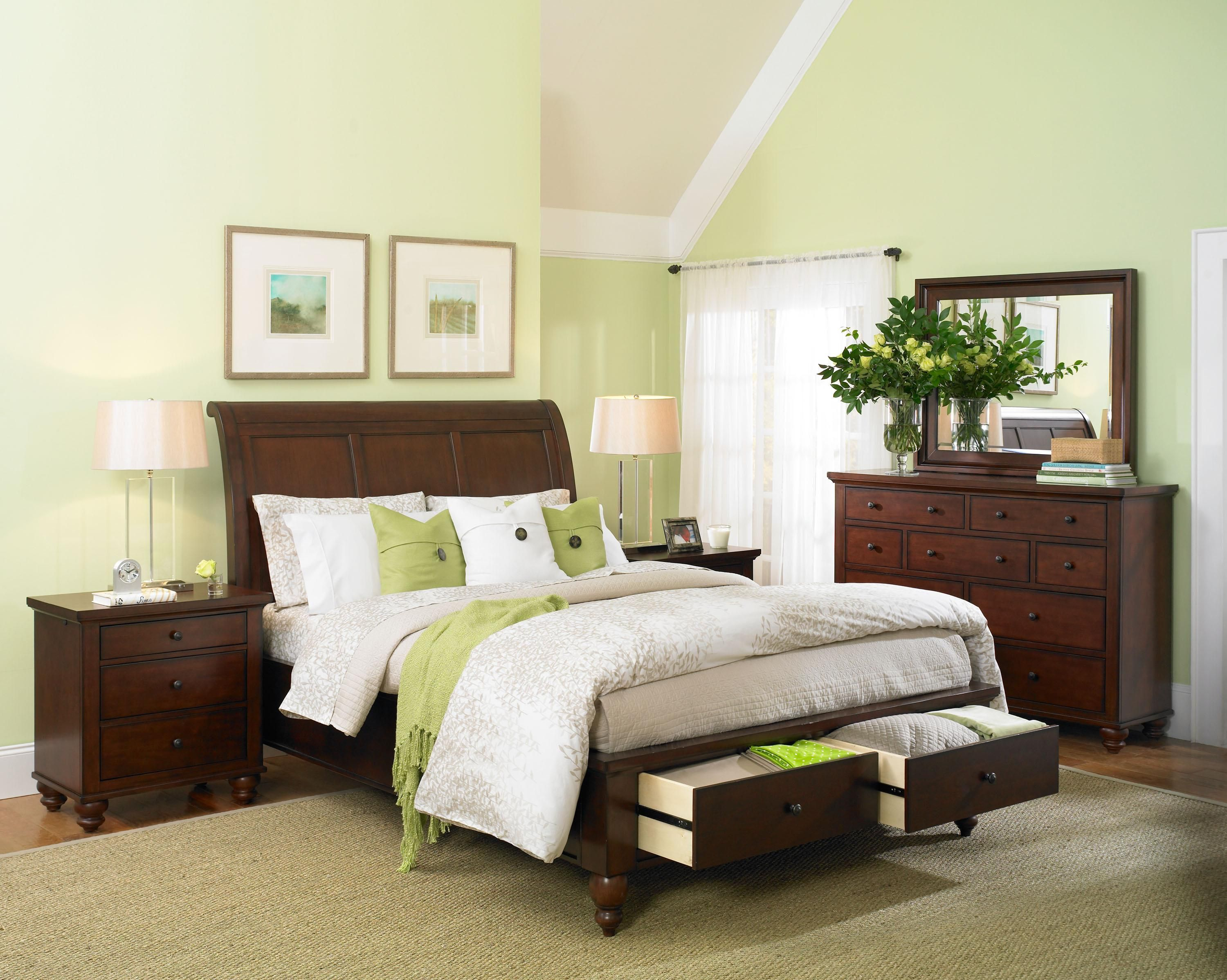 Aspen Furniture Cambridge Collection featuring a sleigh headboard