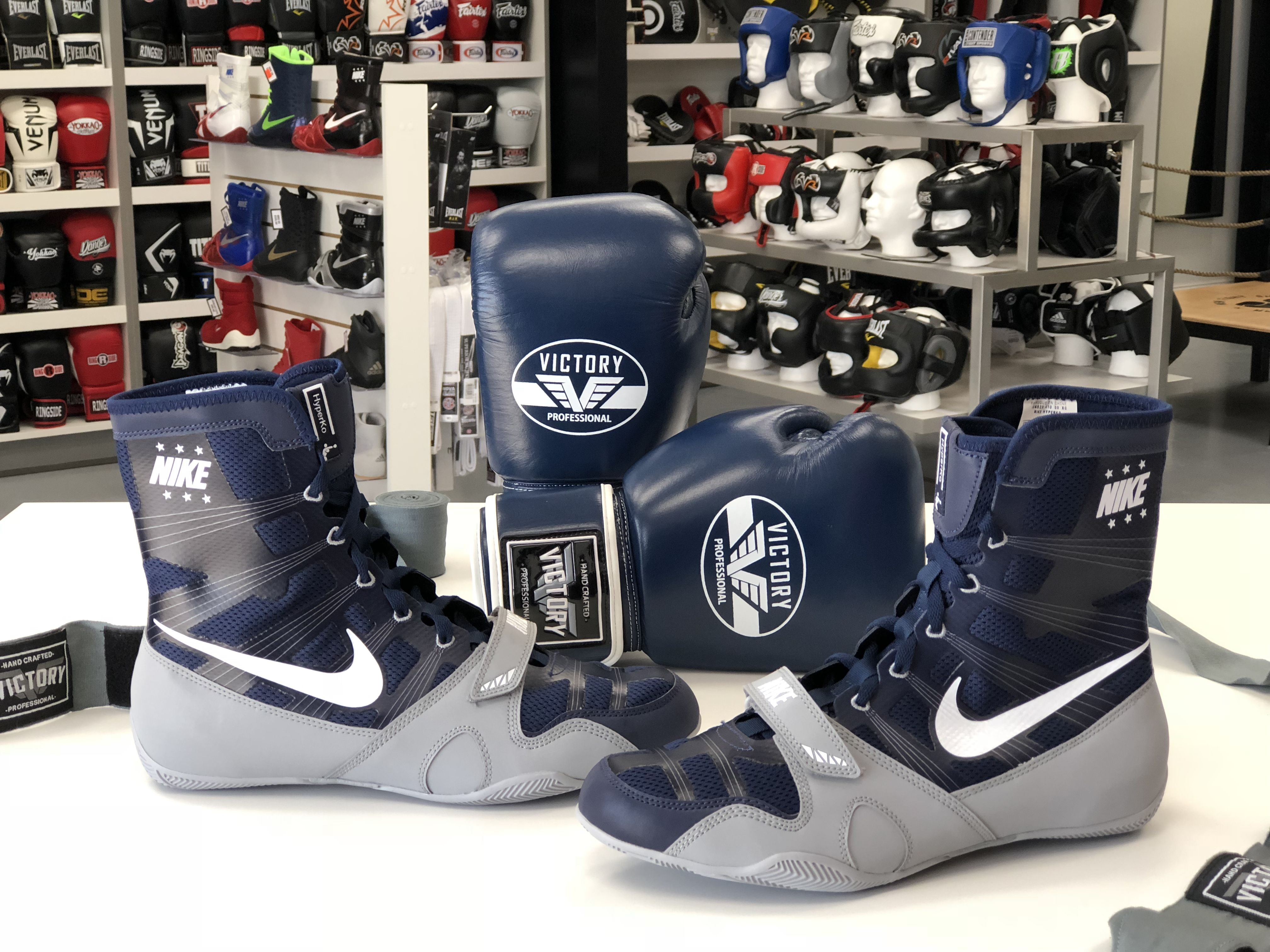 pretty nice 62385 58ab5 Estos los nuevos colores de Nike Hyperko. Azul marino y gris disponible en  ambas tiendas de MSM Fight Shop Miami y Fort Lauderdale.