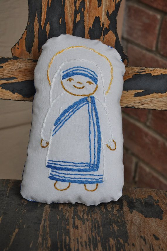 Bl Mother Teresa Saints N Stitches Pillow Doll Hand Embroidery