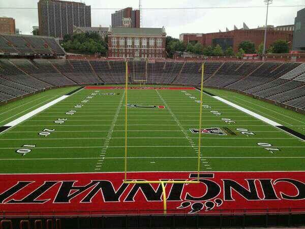 Nippert Stadium Home Of The Cincinnati Bearcats Football Stadiums Field Turf Cincinnati Bearcats