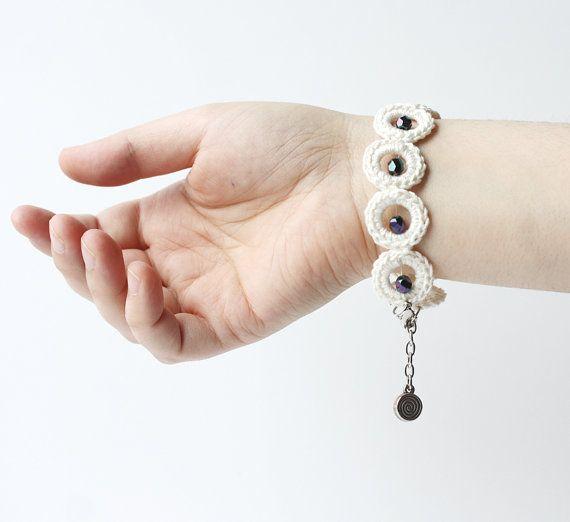Bubble jewelry Black white crochet bracelet by violasboutique, $16.00