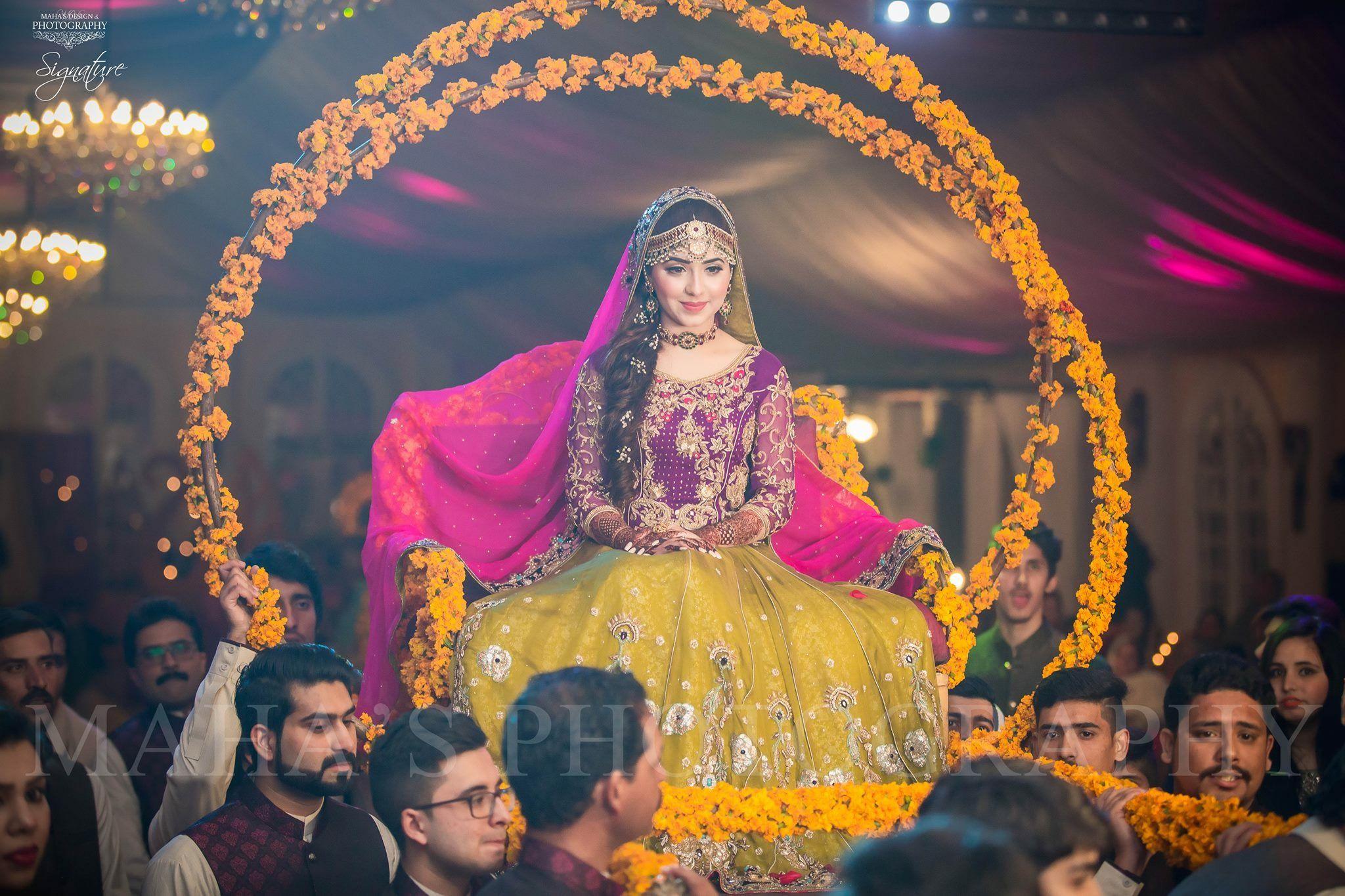 Mehndi Bride Entrance S : Mehndi beautiful bride pakistani dresses