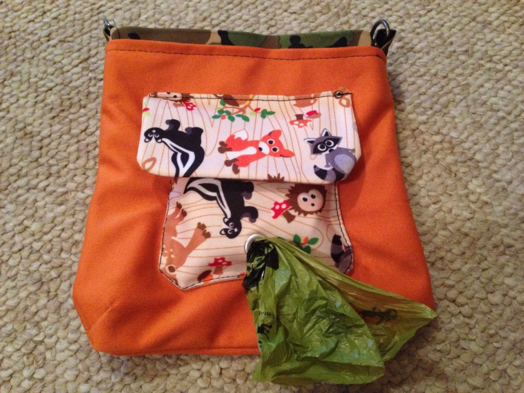 Babyville Boutique DIY Leash Bags Dogs pooping