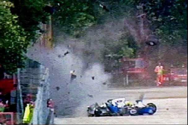 Jo Ramirez, amigo de Senna e ex-coordenador chefe da equipe McLaren narra em sua autobiografia, lançada em 2005, tudo que presenciou naque...