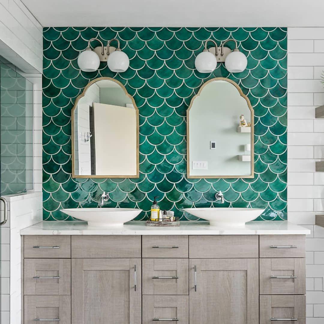 25 Inspiring And Colorful Bathroom Vanities Bathroom Cabinet Colors Painted Vanity Bathroom Teal Bathroom