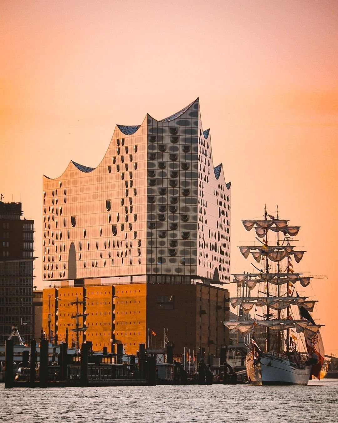 Elbphilharmonie Im Sonnenuntergang Instagram Hamburg Homeland