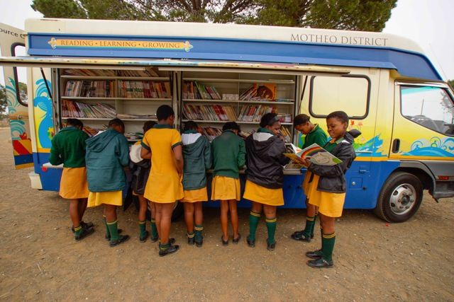 how to become a librarian in south africa