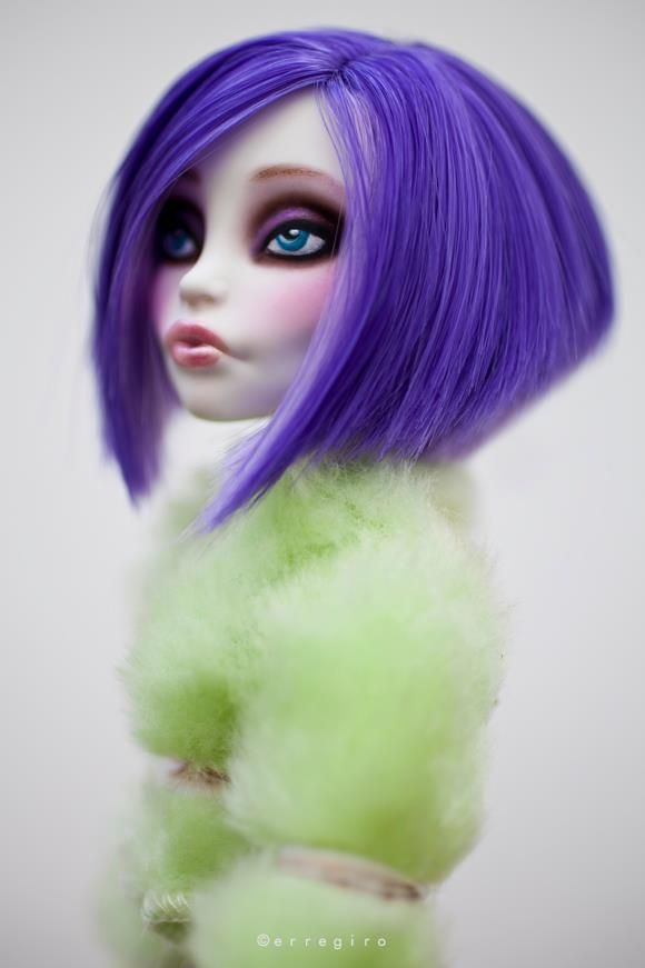 Monster High Spectra restyle & repaint. Beautiful!