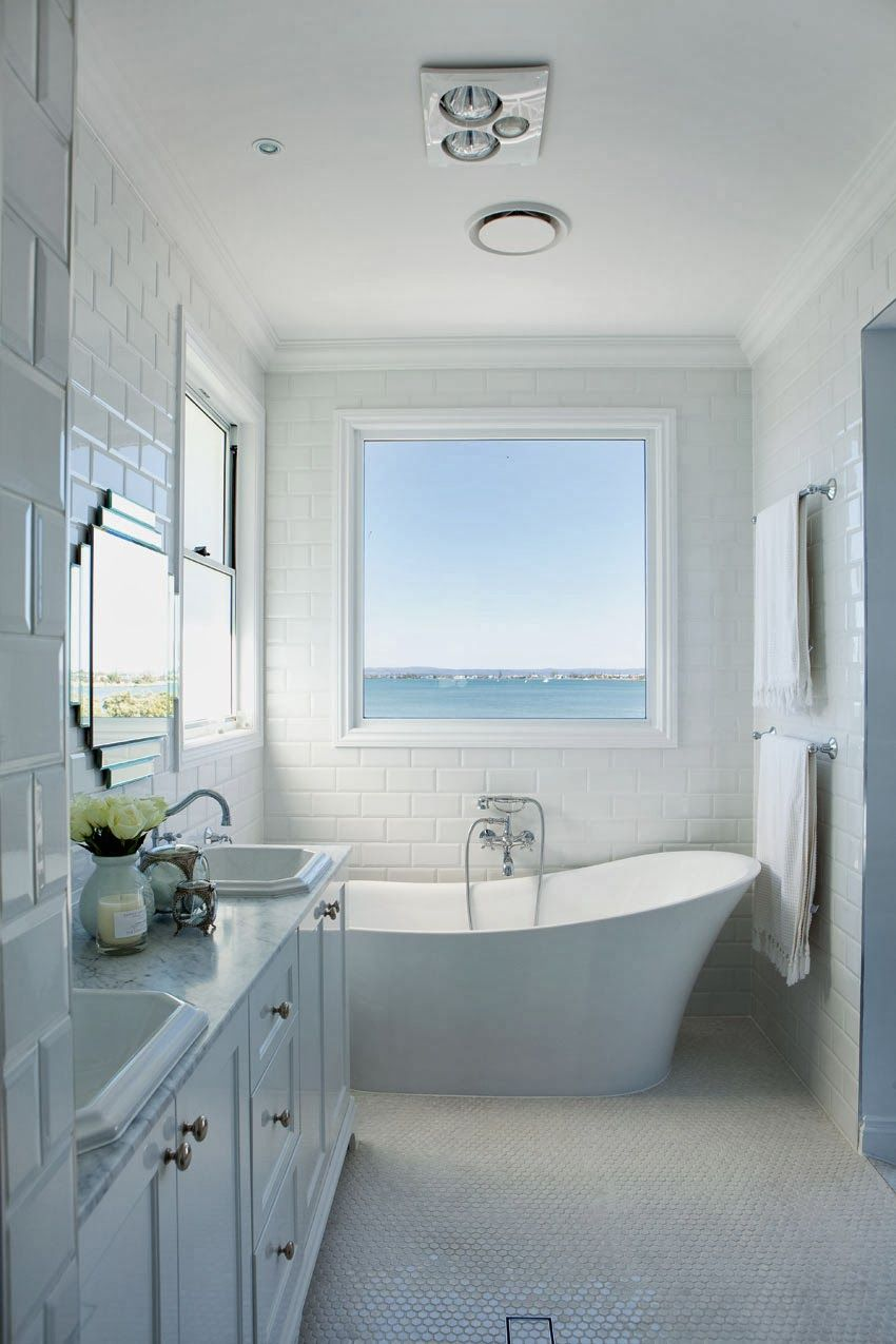 Coastal bath design hamptons charm in queensland for Bathroom designs qld