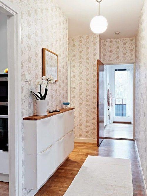 super idee vor allem wenn man einen schmalen flur hat schuhschr nke vom ikea als kommode nutzen. Black Bedroom Furniture Sets. Home Design Ideas