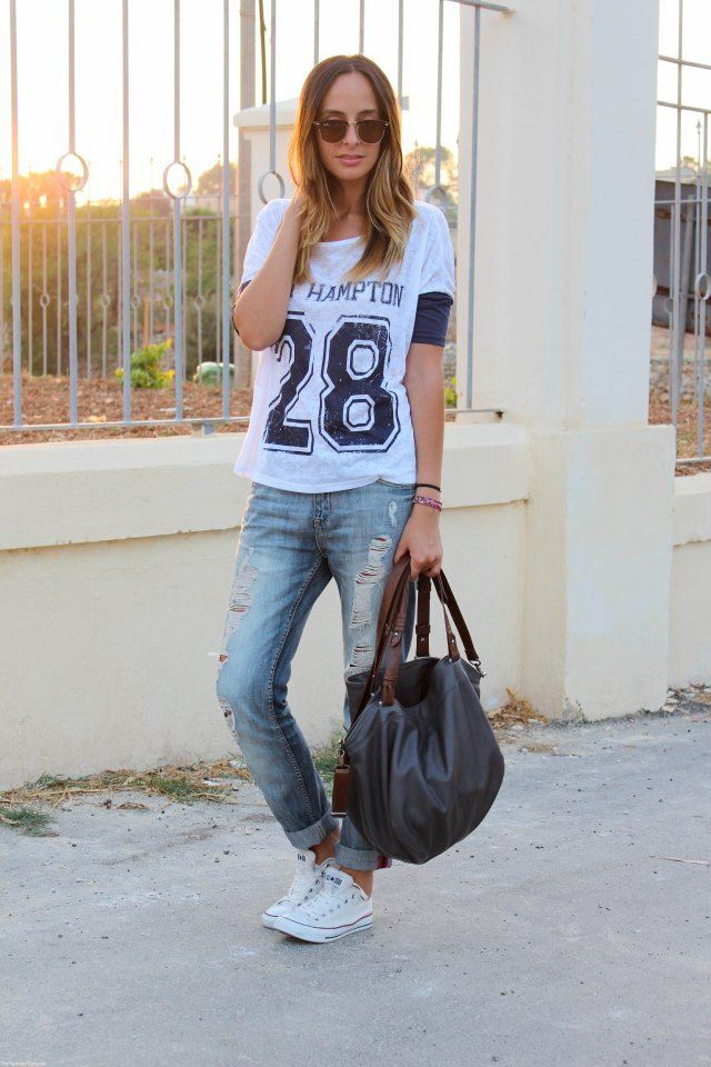 Denim shirt, leggings, white high top converse | How to wear