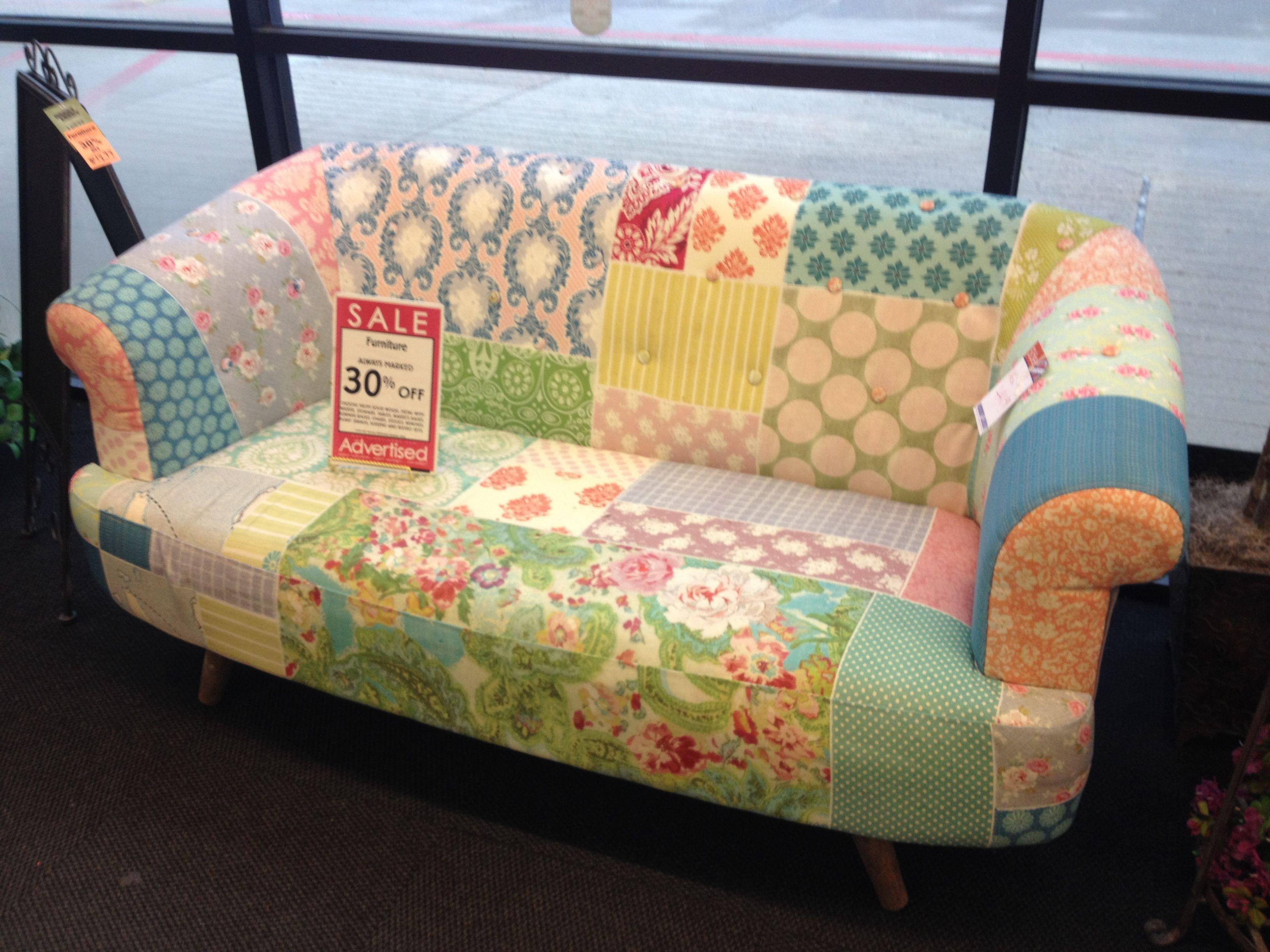 Beeindruckend Sofa Patchwork Dekoration Von To Put Grandmothers Quilt Onto A Sofa.