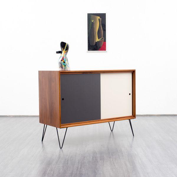 60er sideboard nussbaum mit farbigen wendet ren von velvet point vintage store auf. Black Bedroom Furniture Sets. Home Design Ideas