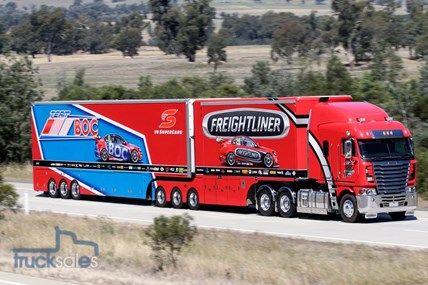 Freightliner Racing transporter breaks cover – Truck news