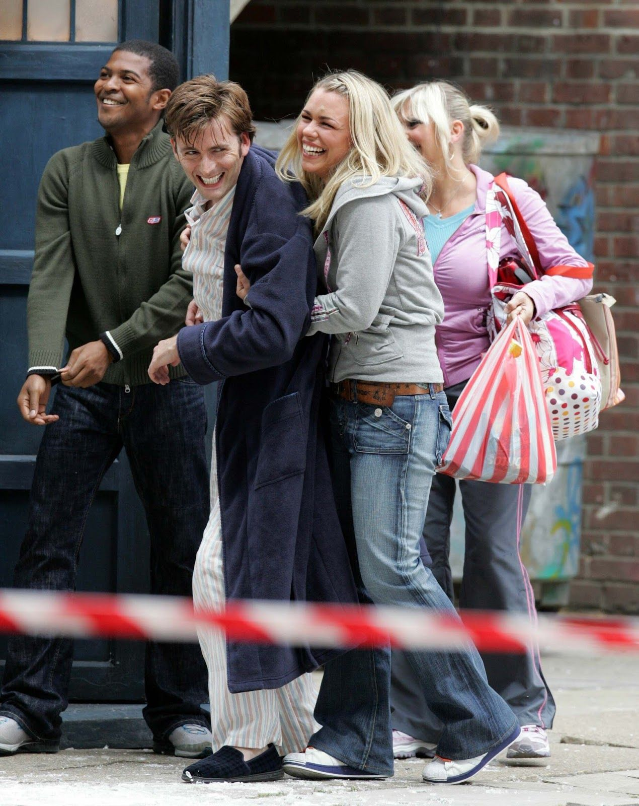PHOTO OF THE DAY - 15th November 2015: David Tennant on set of Doctor Who with Billie Piper, Noel Clarke & Camille Coduri (2005)