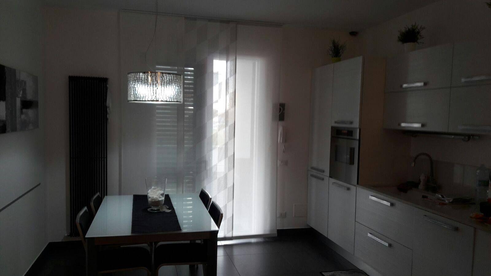 tende a pannelli bianche per cucina | Tende da Interni, Serramenti ...