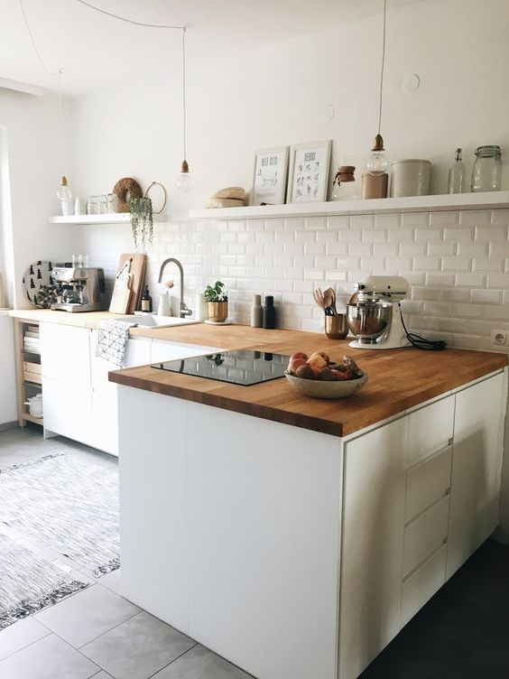 Beautiful kitchen with the open shelves. Complete ... - #Beautiful #Complete #kitchen #Open #openplan #shelves #apartmentkitchen