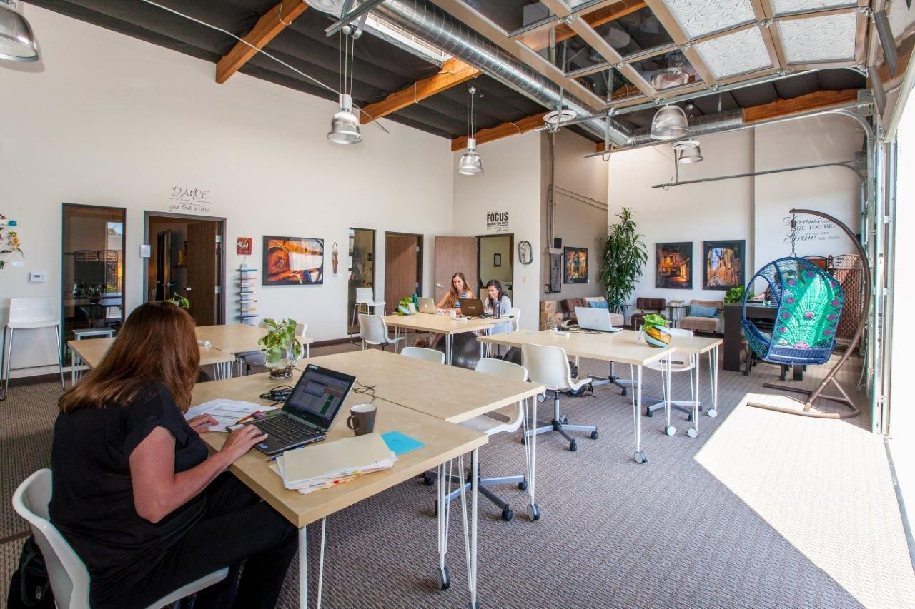 Hera hub coworking space for women coworking space for Coworking space design ideas