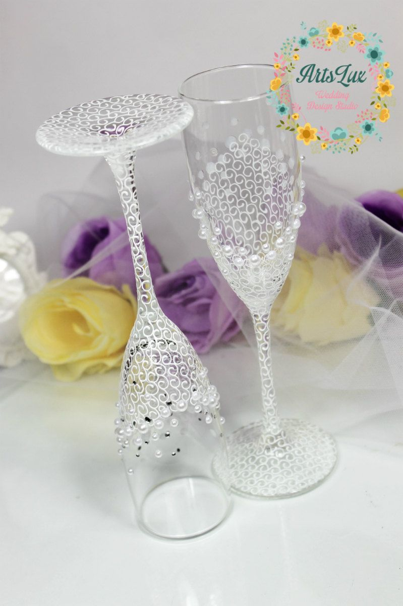 Pearls Wedding champagne glasses in white-Hand painted Wedding ...