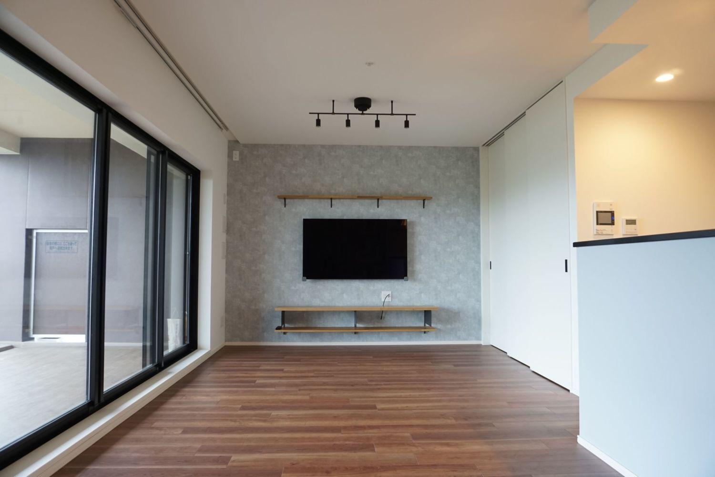 アイアンとアクセントクロスのオシャレな家 京都で家づくりするなら