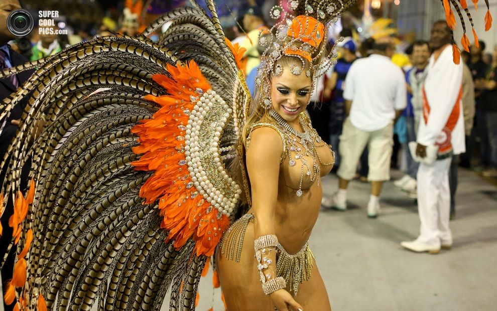 откровенные бразильские девушки онлайн