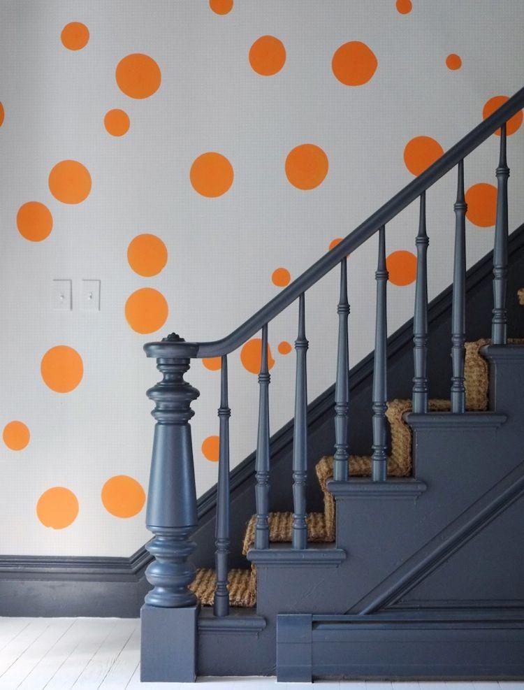 Treppenhaus Renovieren Antrhazit Gelander Orange Kreise Rattan Matte Treppenhaus Renovieren Treppe Haus Treppenhaus Streichen