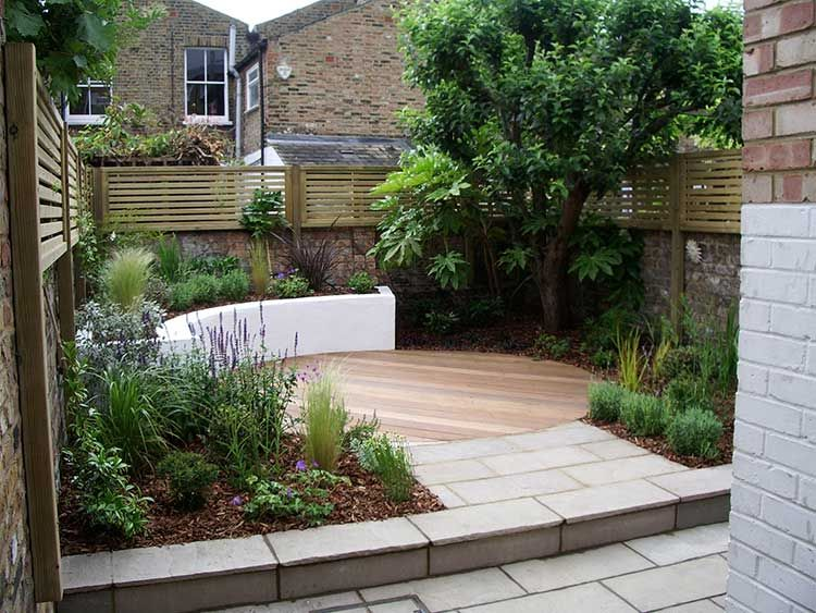 Garden designer london courtyard garden design london e2 for Courtyard entertaining ideas