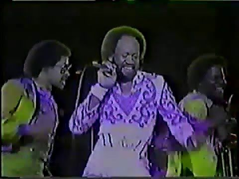 EARTH WIND & FIRE live in Brazil 1980 (Full) by: Rogério KISS