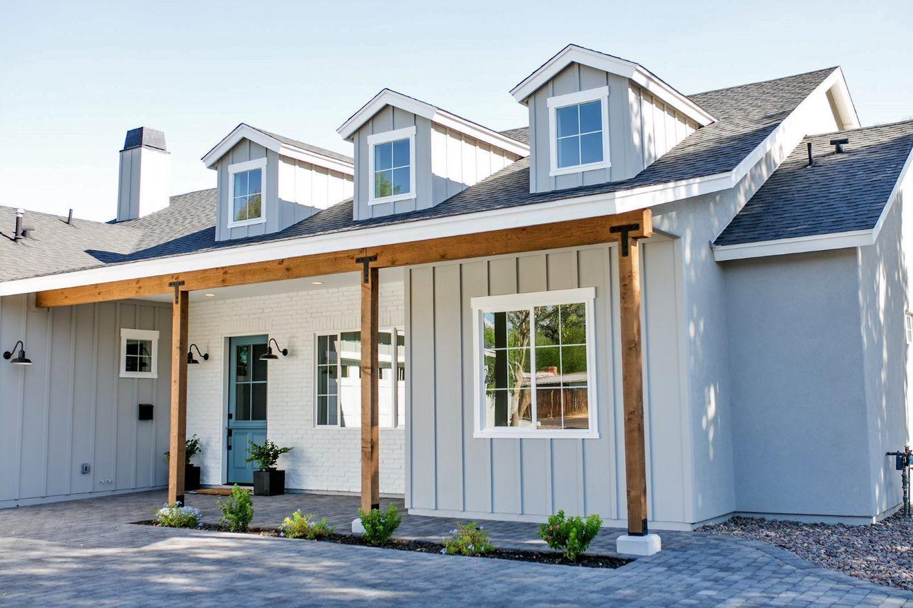 Curb Appeal for a Modern Farmhouse #boardandbattensiding