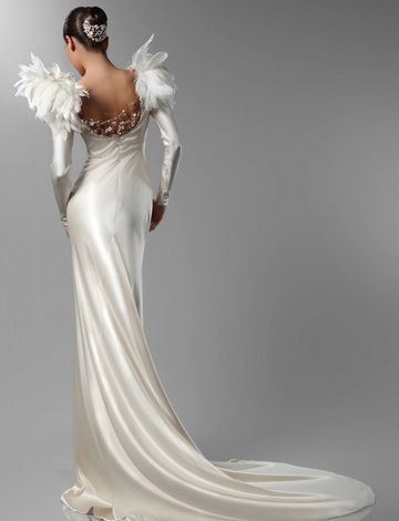 Novia ángel plumas | WEDDINGDRESS | Pinterest | Pluma, Ángeles y Novios