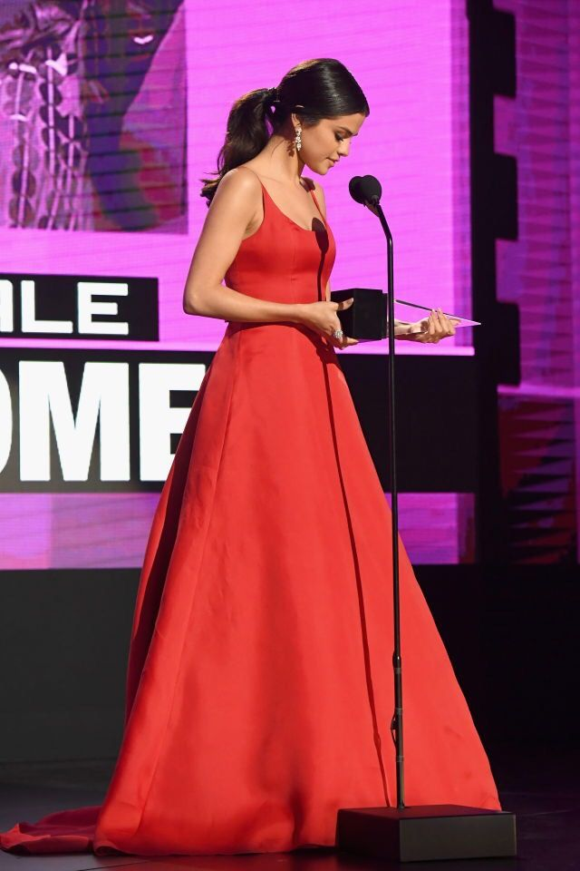 Selena Gomez at the 2016 AMAs
