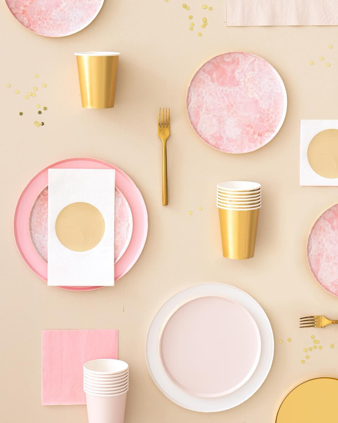 Oh happy day party ware to die for!!!! Plates, Party