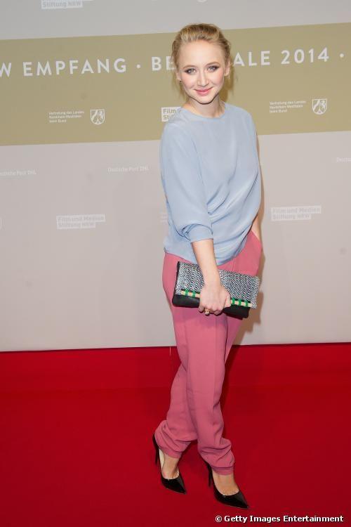 Anna Maria Mühe Tschertgar Cun Google Fashion Petite Woman
