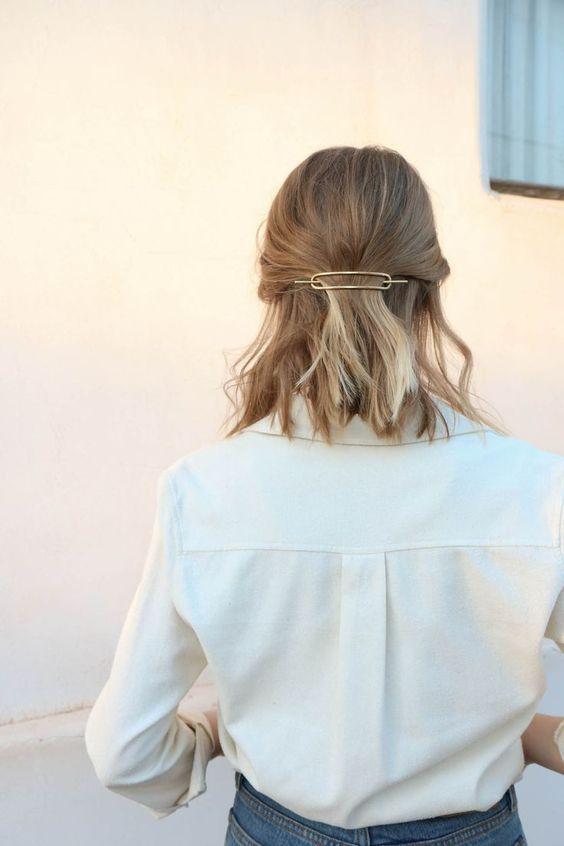 Cheveux mi longs avec barrette automnehiver 2017