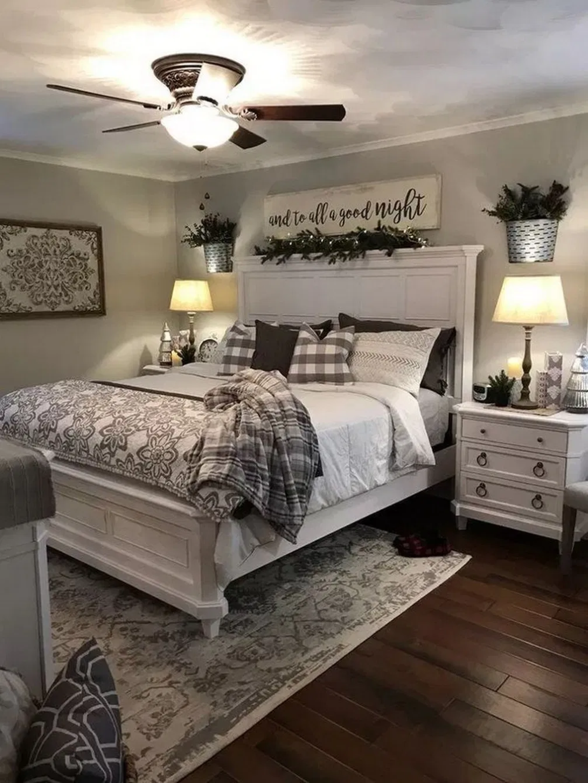 38 Farmhouse Rustic Master Bedroom Ideas 14 In 2020 Farmhouse Bedroom Decor Small Master Bedroom