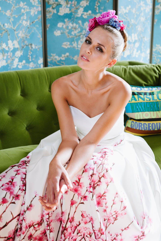 Brautkleid mit Farbe und tollem Herzausschnitt! Bei unserer Yoki und ...