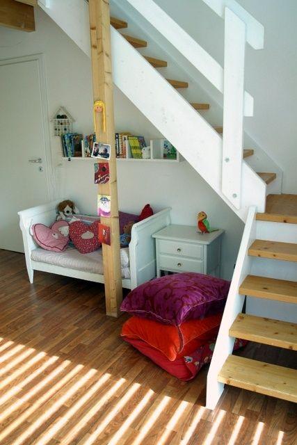 Kinderzimmer mit Treppe Haus deko, Kinder zimmer
